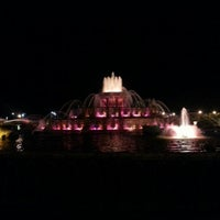 Photo taken at Clarence Buckingham Memorial Fountain by Amanda A. on 9/17/2012