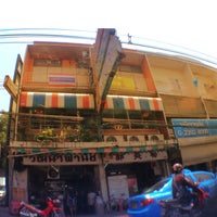 Photo taken at วัฒนาพานิช by Tom ™. on 3/27/2013