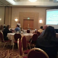 Photo taken at Hilton Los Angeles North/Glendale & Executive Meeting Center by Joshua R. on 11/13/2012