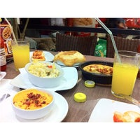Photo taken at Pizza Hut by Ira Hakim on 3/9/2015