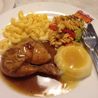 Photo taken at Kenny Rogers Roasters by Raudhah R. on 10/26/2015