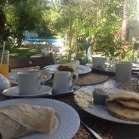 Photo taken at Claro Cafe by Noname on 11/3/2012