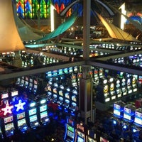 Photo taken at Seneca Niagara Casino by KeGoMo on 3/31/2013