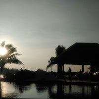 Photo taken at Lawana Escape (Lawana Beach Resort) by Pawin L. on 11/23/2014