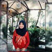 Photo taken at STMIK Dipanegara Makassar by Indrawati Talaohu on 1/26/2015