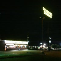 Photo taken at Waffle House by Santiago G. on 7/4/2012