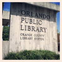 3/12/2012에 Michelle L.님이 Orange County Library - Orlando Public Library에서 찍은 사진