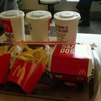 Photo taken at McDonald's by Oswaldo P. on 6/19/2012