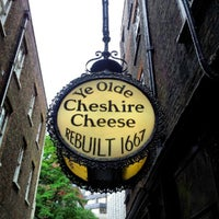 Photo taken at Ye Olde Cheshire Cheese by Keenon W. on 7/3/2012