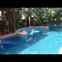 Photo taken at Rose Hotel Bangkok by Kerry P. on 9/13/2012
