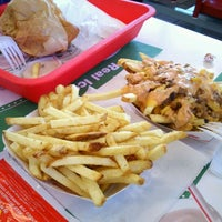 Photo taken at In-N-Out Burger by Maria L. on 9/23/2011