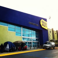 Photo taken at Best Buy by Steve R. on 11/24/2011