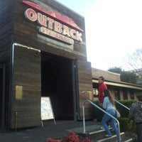 Photo taken at Outback Steakhouse by Diego J. on 7/21/2012