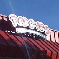 Photo taken at Popeyes Louisiana Kitchen by Alyssa C. on 11/4/2011