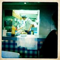 Photo taken at De Pizzabakkers by Erik V. on 6/5/2011