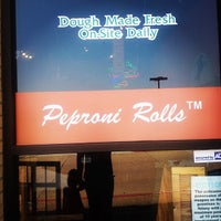 Photo taken at Double Daves Pizzaworks by Donny E. on 5/19/2012