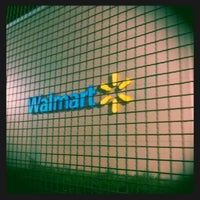 Photo taken at Walmart by Ricardo Q. on 10/27/2011