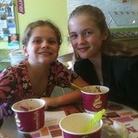 Photo taken at Menchie's Frozen Yogurt by Jim H. on 1/29/2012