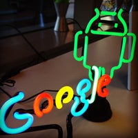 Photo taken at Google Store by うめ on 9/6/2012