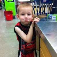 Photo taken at Lowe's Home Improvement by Jessica on 8/27/2012