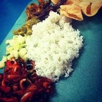 Photo taken at Kanna Curry House by Muzaffar M. on 5/15/2012