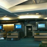 Photo taken at Gate 95 by h-mat on 12/12/2011