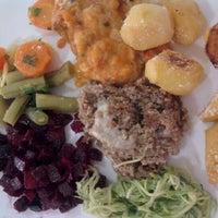 Photo taken at Restaurante Q.Luxo by Letícia K. on 3/14/2012