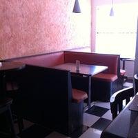 Photo taken at Estação Café by Eduardo Q. on 1/25/2011