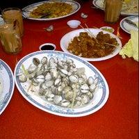 Photo taken at MakanShiok! Kopishop by YusLuvWati on 11/20/2011