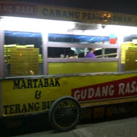 Photo taken at Martabak & Terang Bulan  Gudang rasa by -T!n6- on 10/18/2011