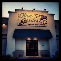 Photo taken at Olive Garden by Gnome S. on 7/26/2012