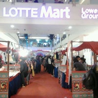 Photo taken at LotteMart by Tarnimatul U. on 3/31/2012