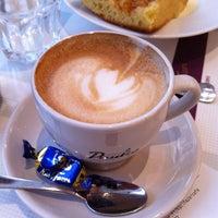 Photo taken at Karl Fazer Café by Banda on 8/9/2011