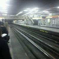 Photo taken at Metro Lo Vial by Esteban S. on 1/24/2012