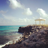 Photo taken at Dreams Cancun Resort & Spa by DRECU E. on 5/30/2012