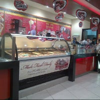 Photo taken at Cold Stone Creamery by John V. on 2/21/2012
