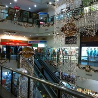 Photo taken at Miramar Shopping by Ricardo P. on 1/6/2012