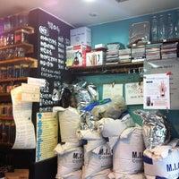 Photo taken at KingKong 커피 by Jinkwon L. on 8/19/2012
