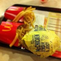Photo taken at McDonald's / McCafé by Jasmine T. on 4/28/2012