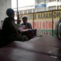 Photo taken at Warung Makan Bersujud, Soto Lamongan by Eko S. on 2/20/2012