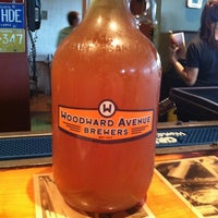 Photo taken at Woodward Avenue Brewers by Rudi S. on 10/14/2011