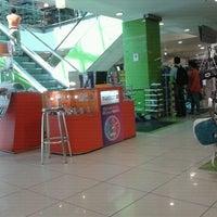 Photo taken at Falabella by Ricardo on 11/26/2011