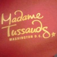 Photo taken at Madame Tussauds by Yanni G. on 8/28/2011