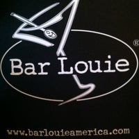 Photo taken at Bar Louie by Daylon H. on 6/26/2012