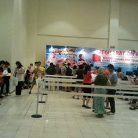 Photo taken at Hall 3 Mid Valley Exhibition Centre (MVEC) by Asraf R. on 11/19/2011
