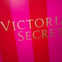 Photo taken at Victoria's Secret PINK by Kia F. on 1/10/2012
