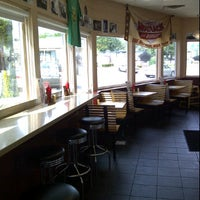 Photo taken at Jake's Wayback Burgers by Joe B. on 9/24/2011