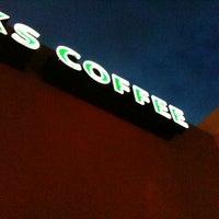 Photo taken at Starbucks by Rodrigo C. on 7/20/2012