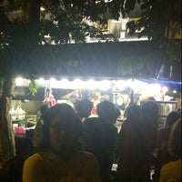 Photo taken at Burger Bakar Kaw Kaw by Arep B. on 8/4/2012