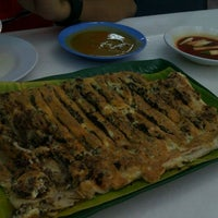 Photo taken at Murtabak Singapura by dEiaNa M. on 10/8/2011